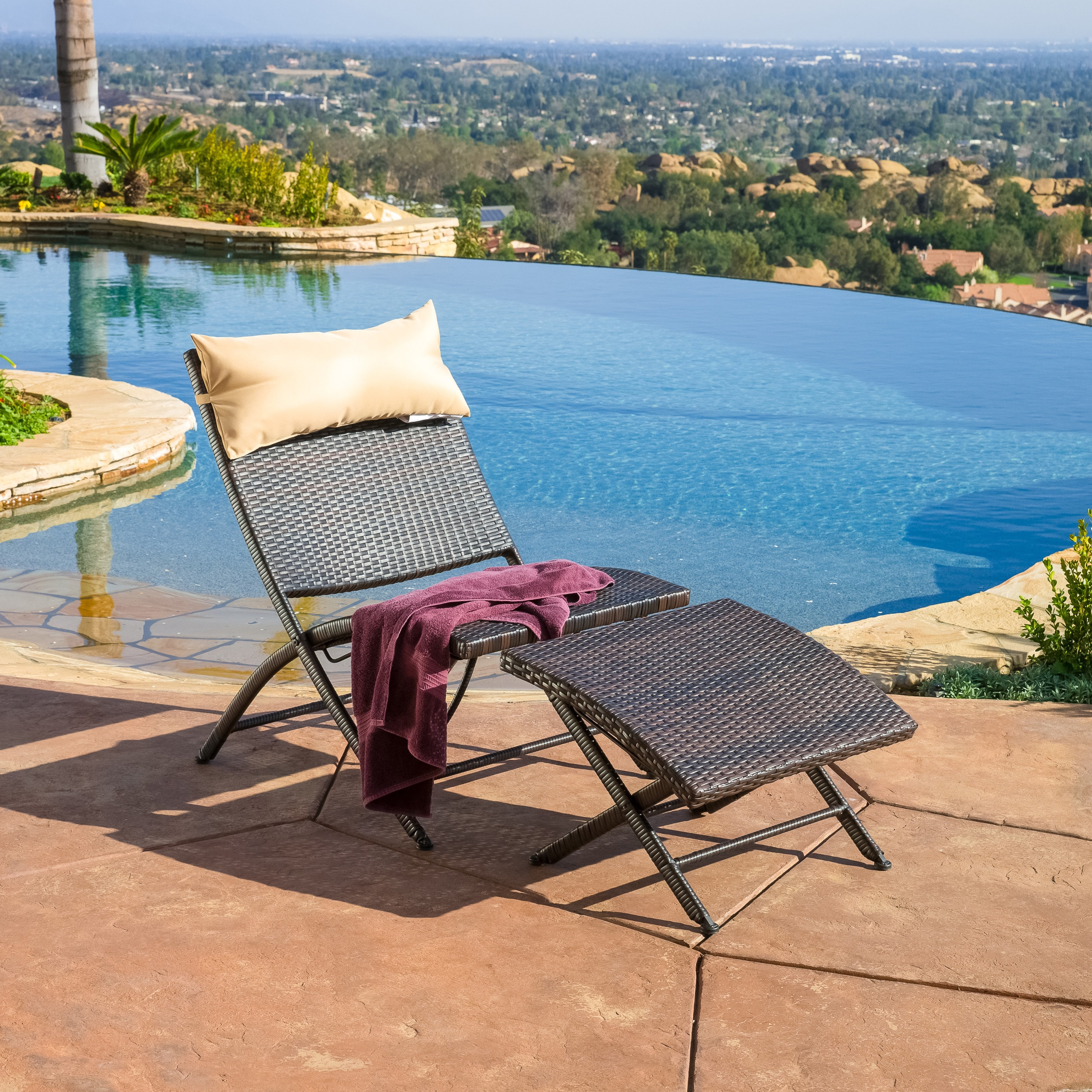 Outdoor Chaise Lounges Online