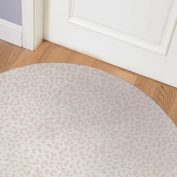 Shop Cheetah Blush Indoor Door Mat By Kavka Designs Overstock 31960592