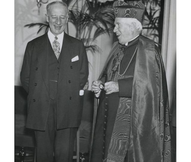 Governor Alfred E Smith At A 1920s Catholic Charities Drive With Cardinal Patrick Hayes Anti