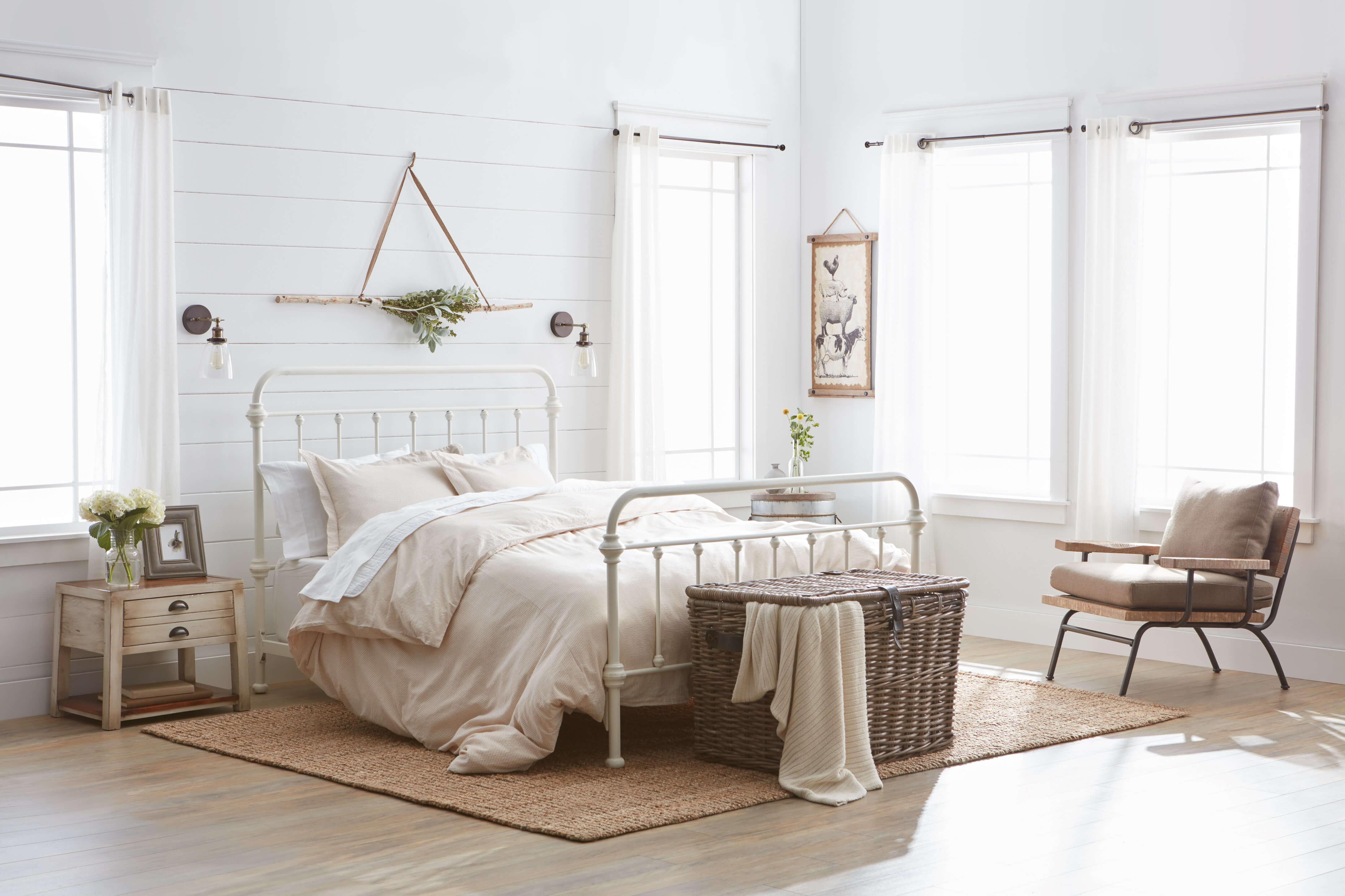 Charming Farmhouse Decorating Ideas