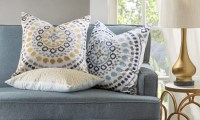 How to Use Decorative Pillows in the Living Room ...