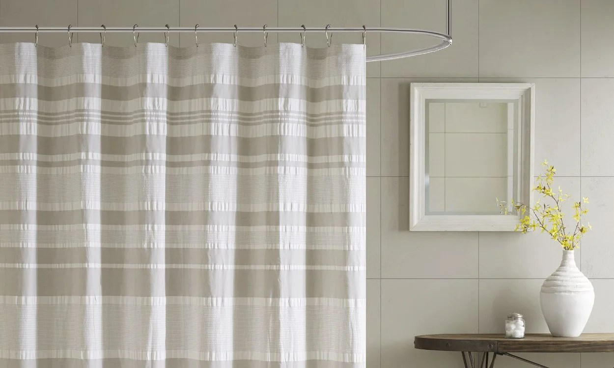 5 tips on using cloth shower curtains