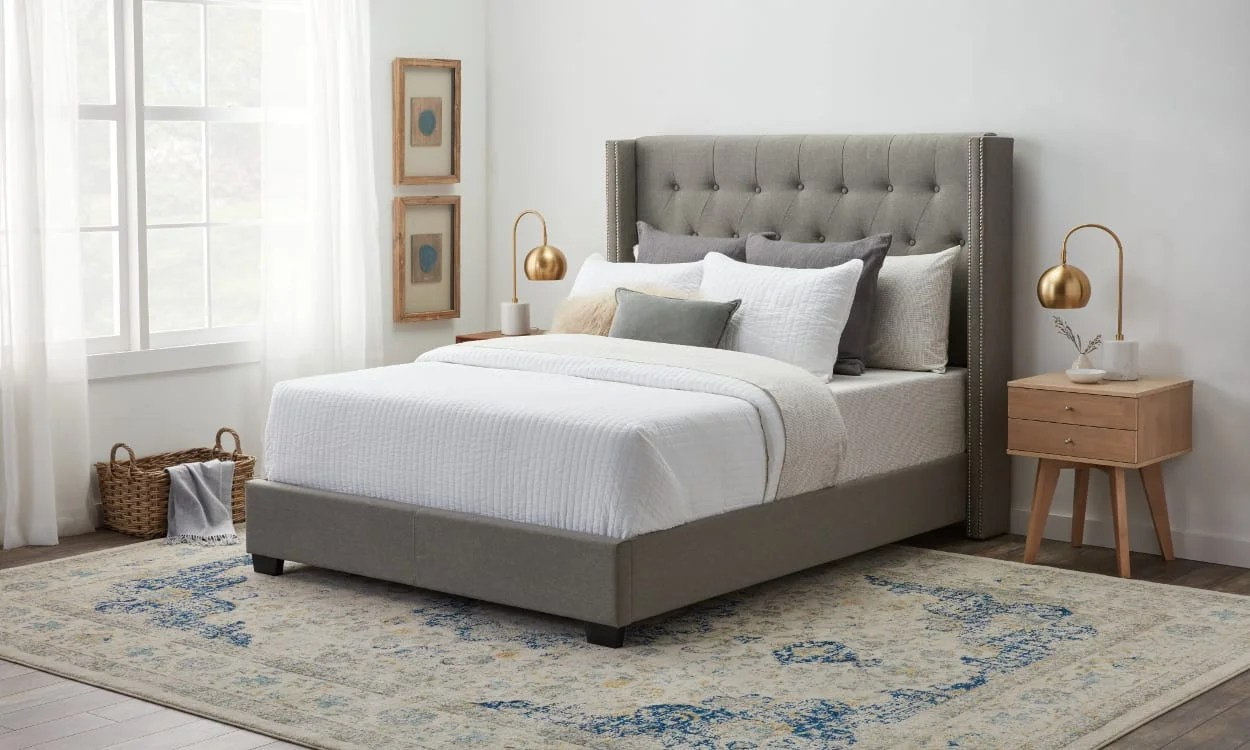 https www overstock com guides how to arrange pillows on a bed