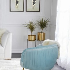 Rug In Living Room Coffee Table Ideas For Small All The Ways You Can Decorate With A Shag Overstock Com Glamorize Your