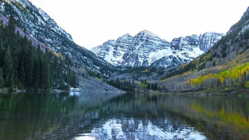 Beautiful Fall Landscape Wallpaper Sunrise Reflection With Snow Dusting At Maroon Bells 4k