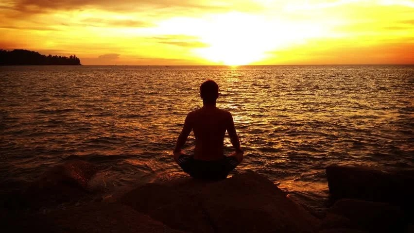 Laughing Girl Hd Wallpaper Time Lapse Silhouette Of Young Man Sitting In Meditation