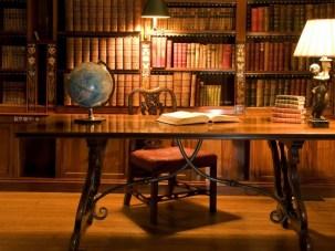 library_books_desk_bookshelf_a_1280x960_wallpaperhi.com