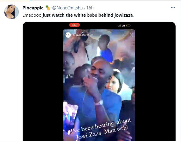 White lady grabs social media users attention following her reaction to billionaire businessman Jowizaza throwing bundles of money at a wedding ceremony 1