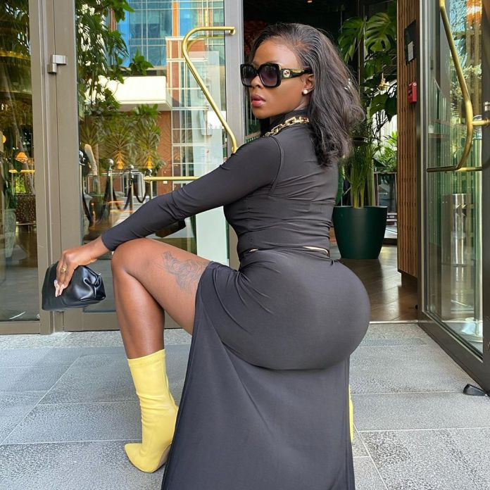 Its poverty that makes people feel they cant do plastic surgery. If you have the money fix your body - BBNaijas Khloe