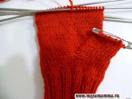 ถุงมือถักด้วยลิ่มขนาดใหญ่สำหรับนิ้วโป้ง