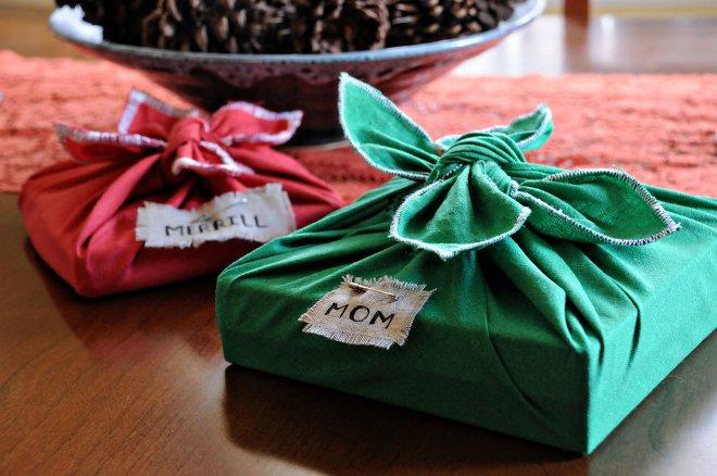 วิธีการแพ็คของขวัญด้วยมือของคุณเอง