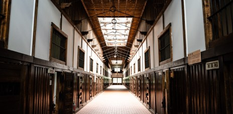 特別的建築巡禮!北海道「網走監獄博物館」美麗建物裡的牢籠傳奇
