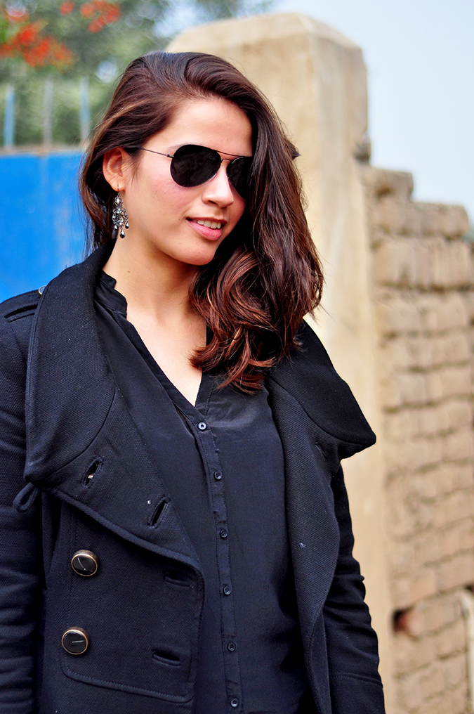 All Black Outfit | Peter & David Sunglasses | www.akanksharedhu.com | 1