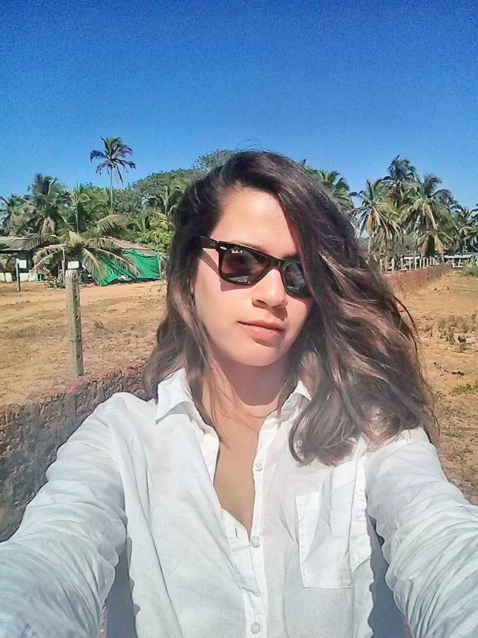 Candolim Beach | Goa | www.akanksharedhu.com | parking selfie
