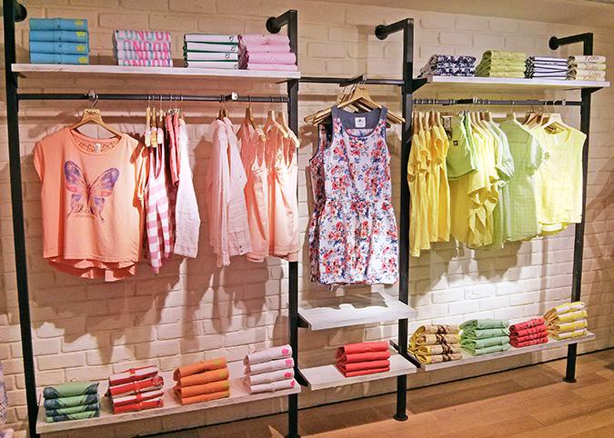 Pepe Jeans London | www.akanksharedhu.com | peaches & lime rack