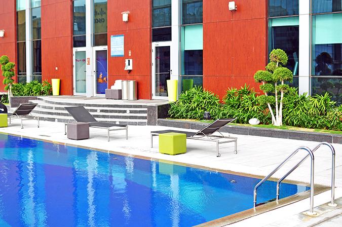 Aloft Hotels | www.akanksharedhu.com | pool2