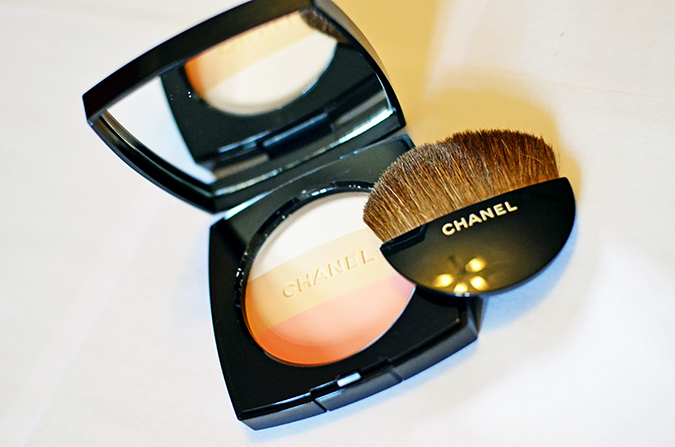 Les Beiges | Chanel | www.akanksharedhu.com | compact with brush