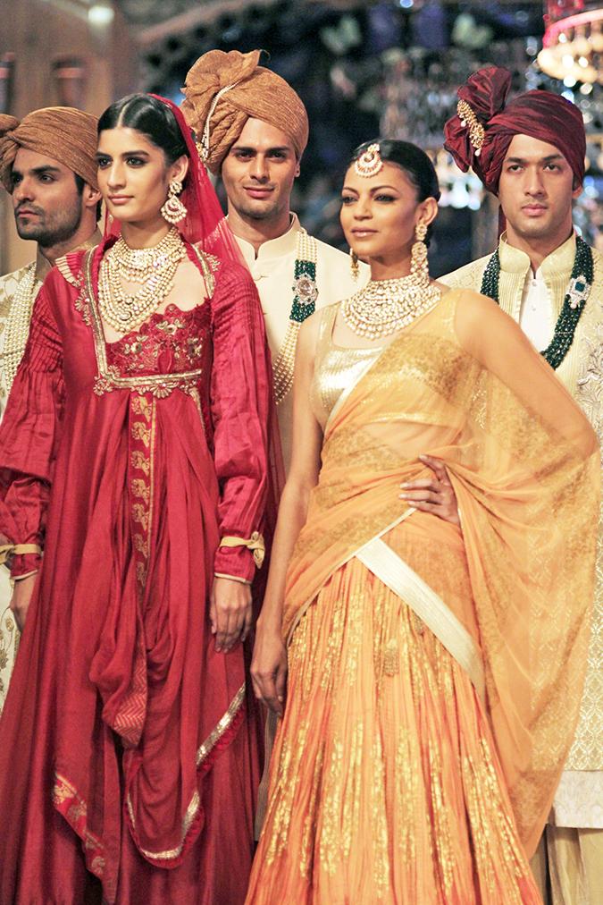 India Couture Week 2014 | Shree Raj Mahal Jewellers | ICW2014 | two models