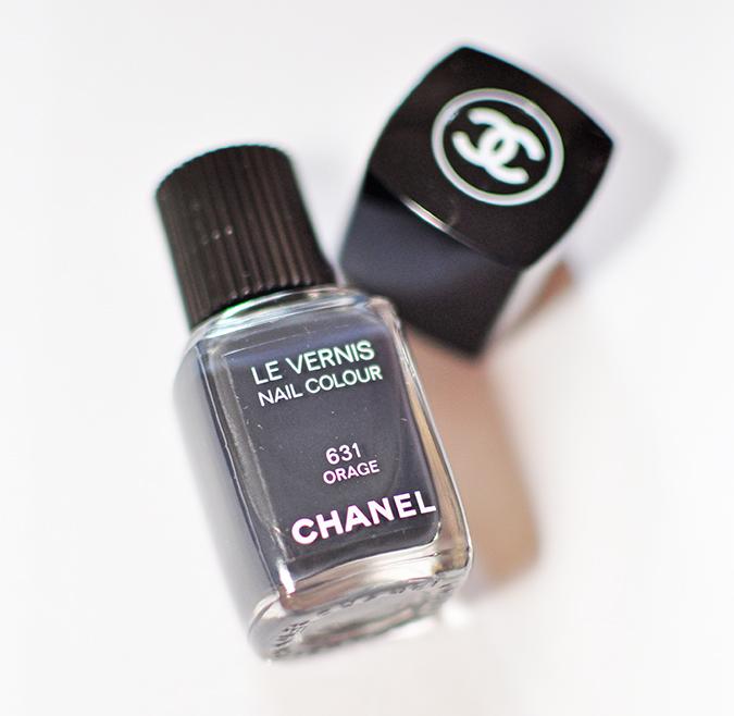 COLLECTION ÉTATS POÉTIQUES | Chanel | www.akanksharedhu.com | nail colour