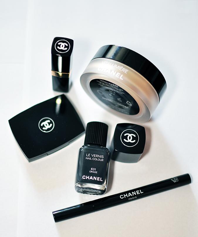 COLLECTION ÉTATS POÉTIQUES | Chanel | www.akanksharedhu.com | all together