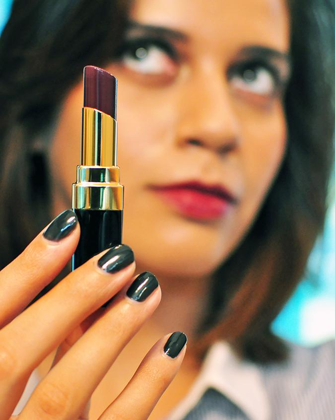 COLLECTION ÉTATS POÉTIQUES | Chanel | www.akanksharedhu.com | lipstick in focus