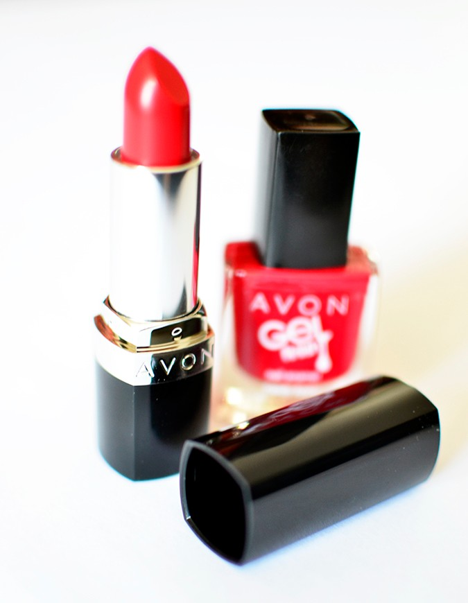 Avon India | www.akanksharedhu.com | red lipstick and nail paint