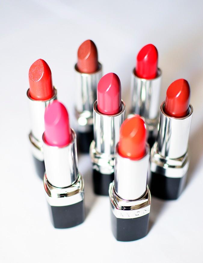 Avon India | www.akanksharedhu.com | all lipsticks standing in circle