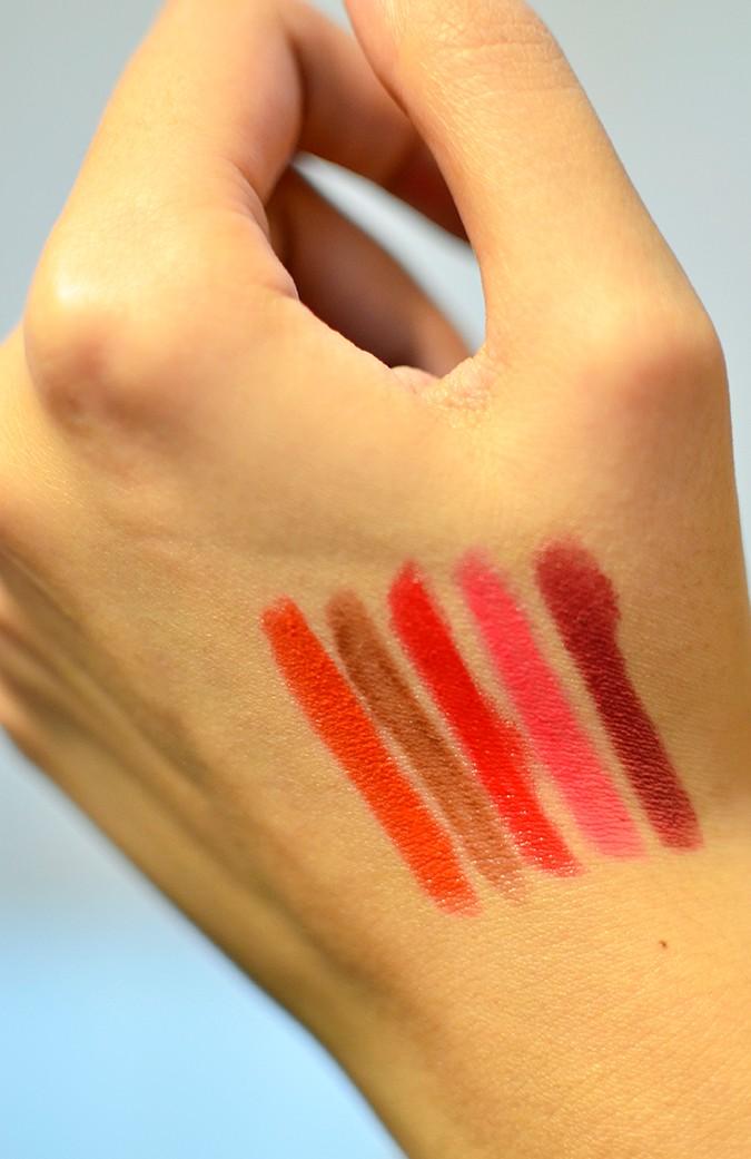 Avon India | www.akanksharedhu.com | swatches on hand