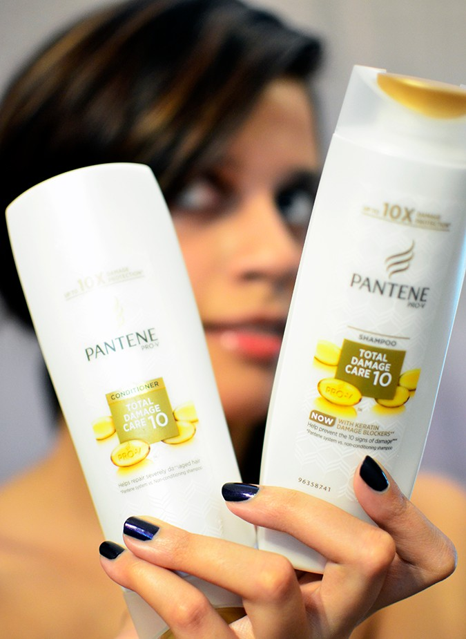 #ProofNotPromises | Pantene | www.akanksharedhu.com | shampoo & condi in hand