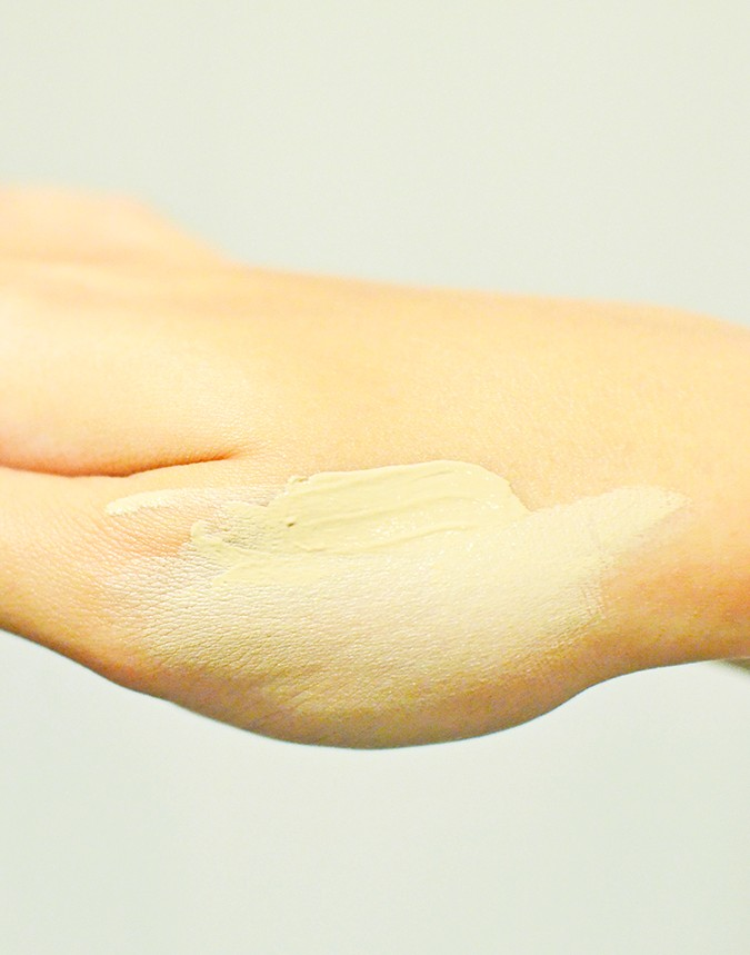 Current Beauty Faves | Luxola | www.akanksharedhu.com | bb cream spread on hand