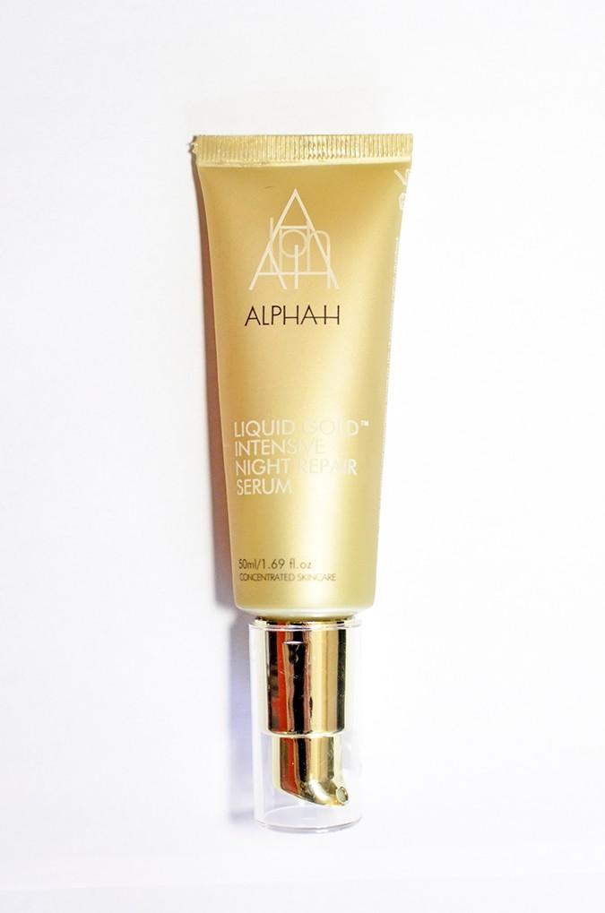 Current Beauty Faves | Luxola | www.akanksharedhu.com | aplhah full front