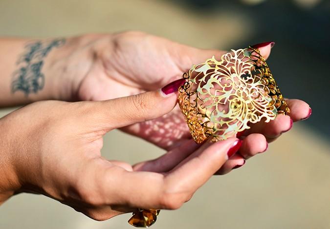 #FutureHeirlooms | Eina Ahluwalia | www.akanksharedhu.com | baroque cuff in hand