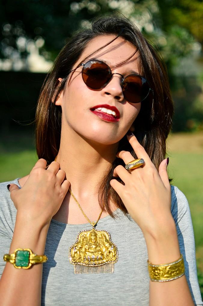 #FutureHeirlooms | LoveGold | Akanksha Redhu | necklace dress hands up