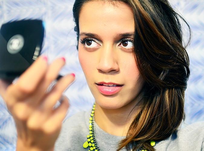 Collection Rêverie Parisienne | Chanel | Akanksha Redhu | looking into mirror