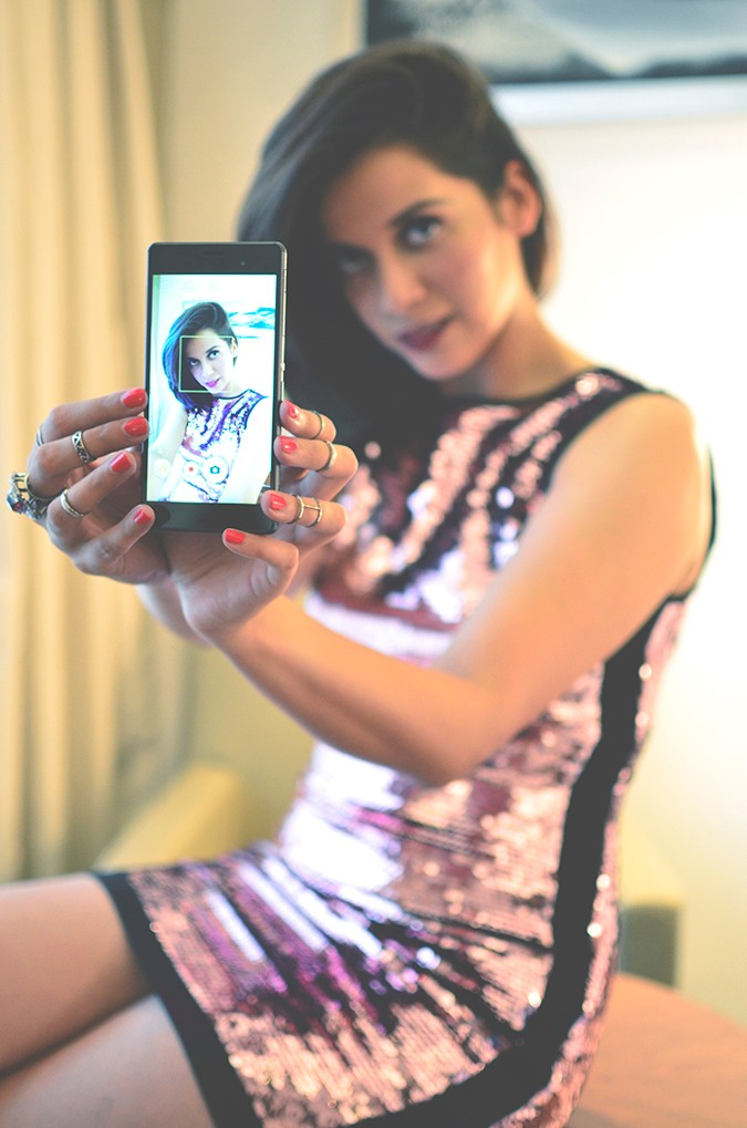 Party Ready | Akanksha Redhu | selfie with phone