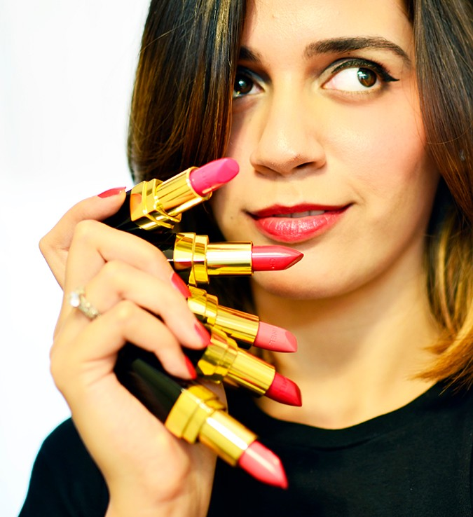 Rouge Coco Lipstick | Chanel | Akanksha Redhu | holding all in hand