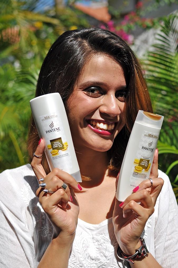 Feel Good Hair | Pantene | Akanksha Redhu | smile with bottles