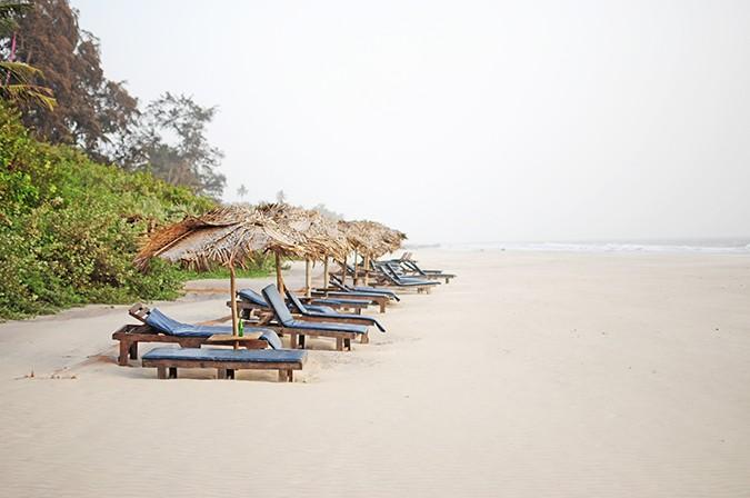 Yab Yum | Goa | Tripzuki | Akanksha Redhu | sunbeds