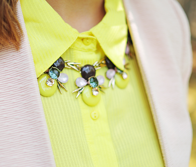How To Style: Blazers 101 | Akanksha Redhu | necklace closeup