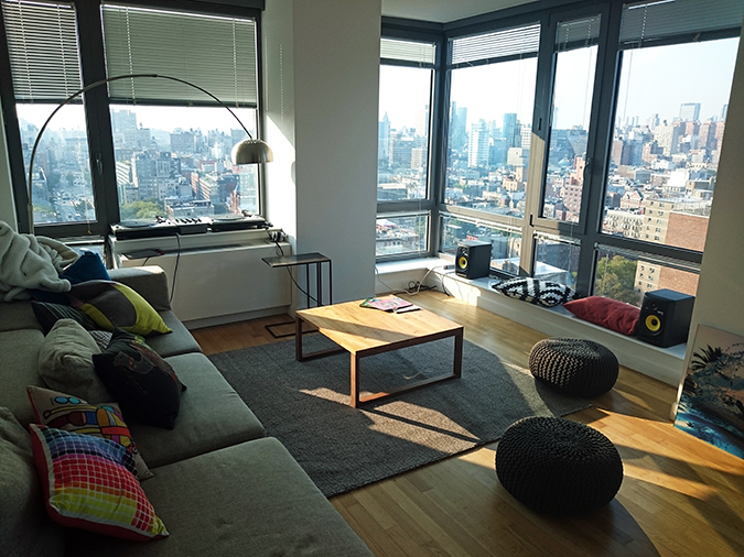 Airbnb | New York City | #RedhuxNYC | living area