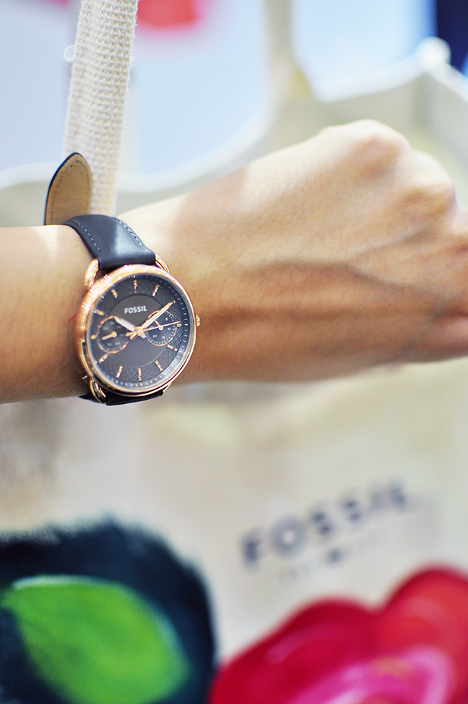 Holiday Season with Fossil | Akanksha Redhu | wearing watch