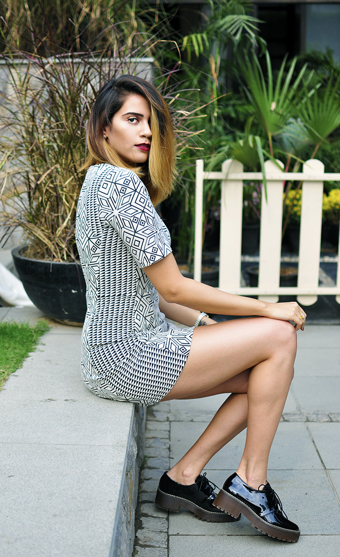 BeeJewelled - CaratLane | Akanksha Redhu | sitting