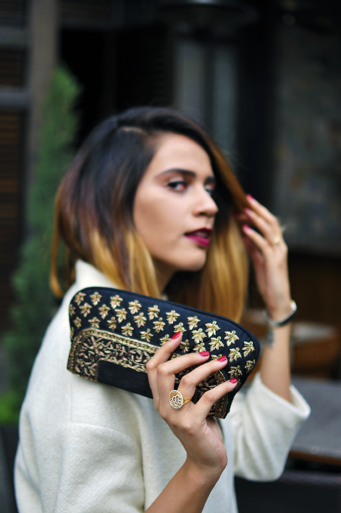 BeeJewelled - CaratLane | Akanksha Redhu | with bag