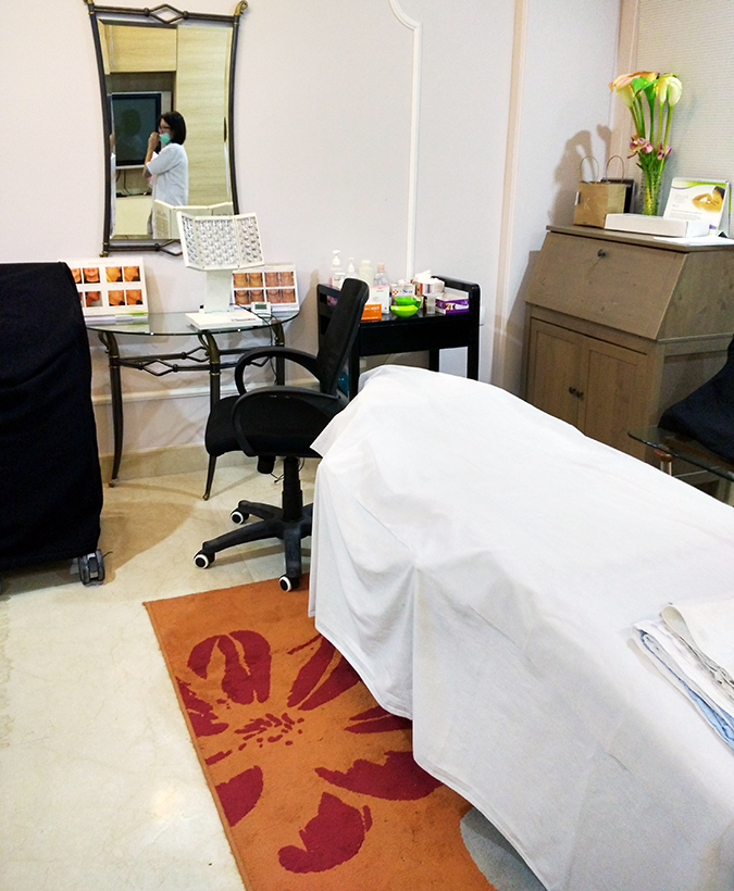 Beauty Edit Dec | Akanksha Redhu | Lumiere Dermatology treatment room