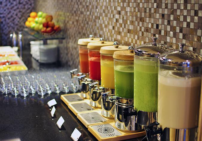 JW Marriott Mussoorie | Akanksha Redhu | Travel | breakfast juices
