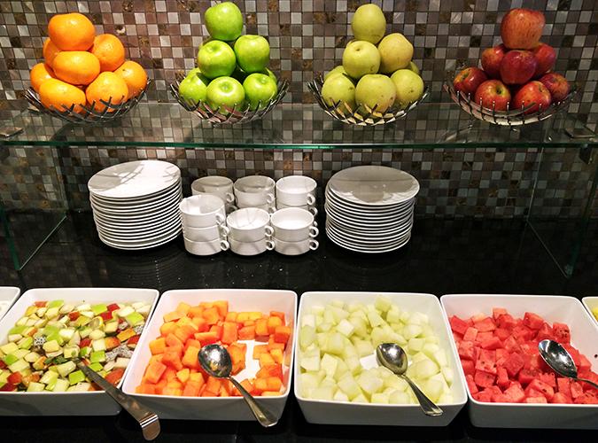 JW Marriott Mussoorie | Akanksha Redhu | Travel | breakfast fruits