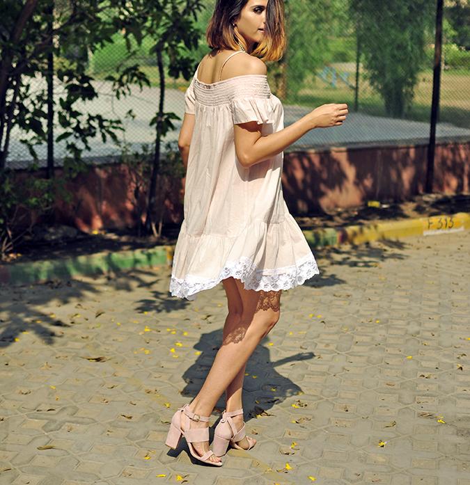 Pale Blushes | Sbuys | Akanksha Redhu | dress flying head cut off