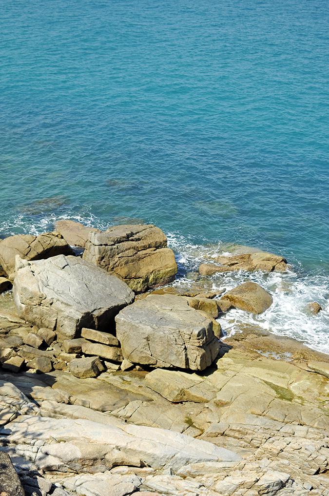 Lad Koh | Koh Samui | Thailand | Akanksha Redhu | sea rocks long