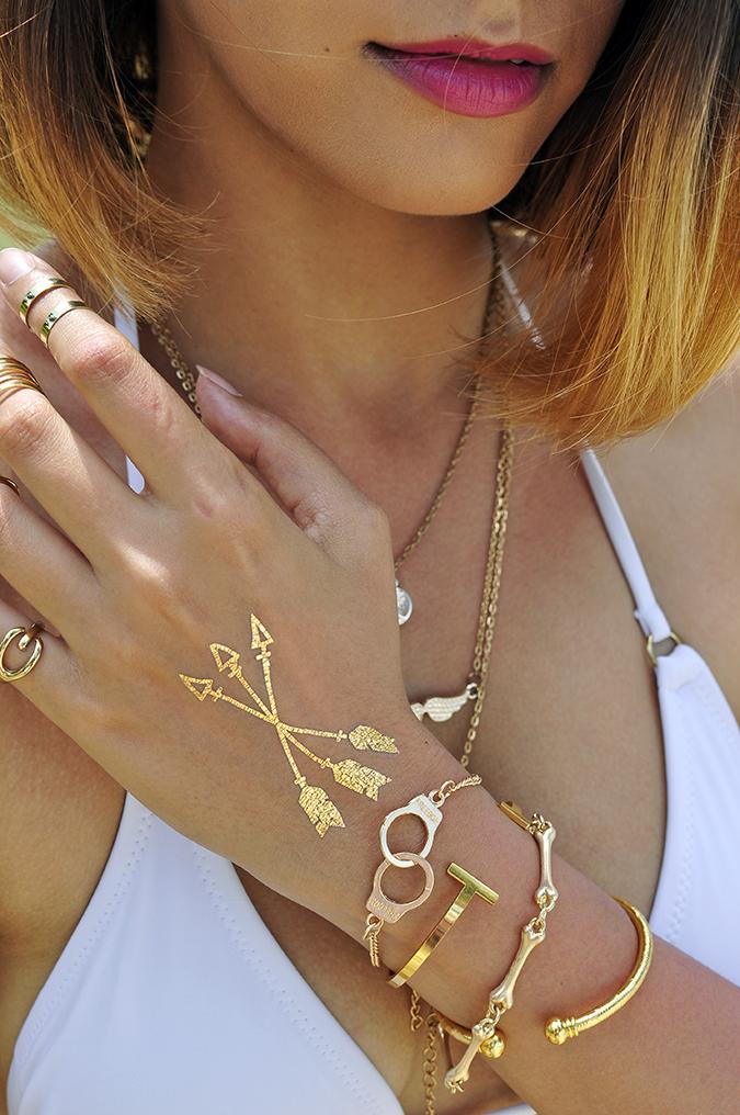 Koh Samui | Akanksha Redhu | #RedhuxKohSamui | lips down hand accessories