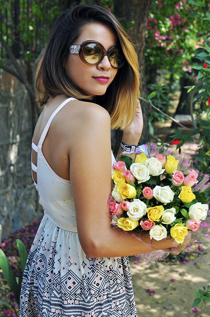 Sbuys | Akanksha Redhu | half side back flowers cradle